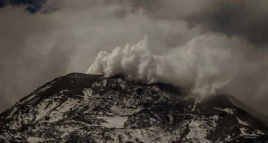 Nevados de Chillán mantiene alerta a todo Chile