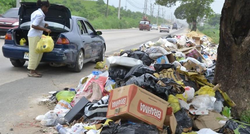 El municipio de Andalgalá multará con 3 mil pesos a los vecinos que arrojen basura en la vía pública