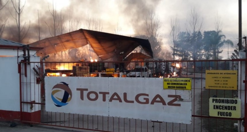 Concepción de Tucumán: Explosión e incendio en depósito de garrafas