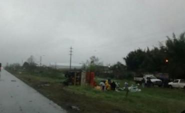 Una camioneta y un camión chocaron esta madrugada en Famaillá