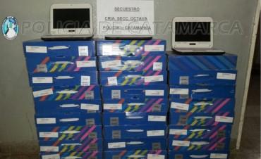 Llevaba en un contenedor de Basura 32 Netbook robadas de una escuela