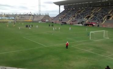 Villa Cubas le ganó a Policial 2 a 0  en el Bicentenario
