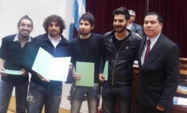"""Concejales distinguieron al grupo de rock """"Calibre"""""""