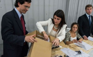 TUCUMAN: Encontraron una urna con más votos que electores y otra vacía