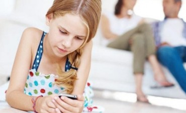 ¿A qué edad se le debe dar un celular a un niño?