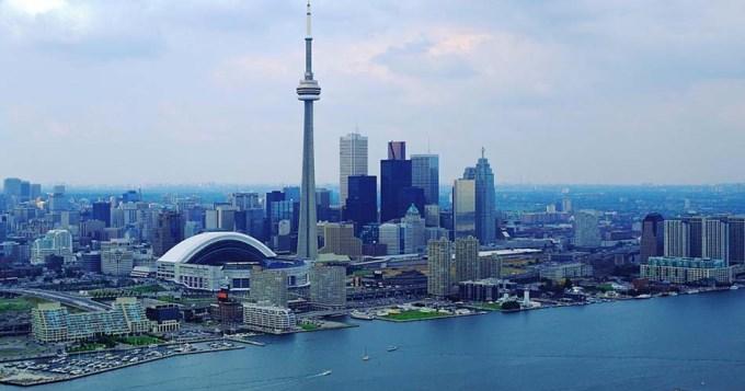 Evitan atentado del EI en Canadá