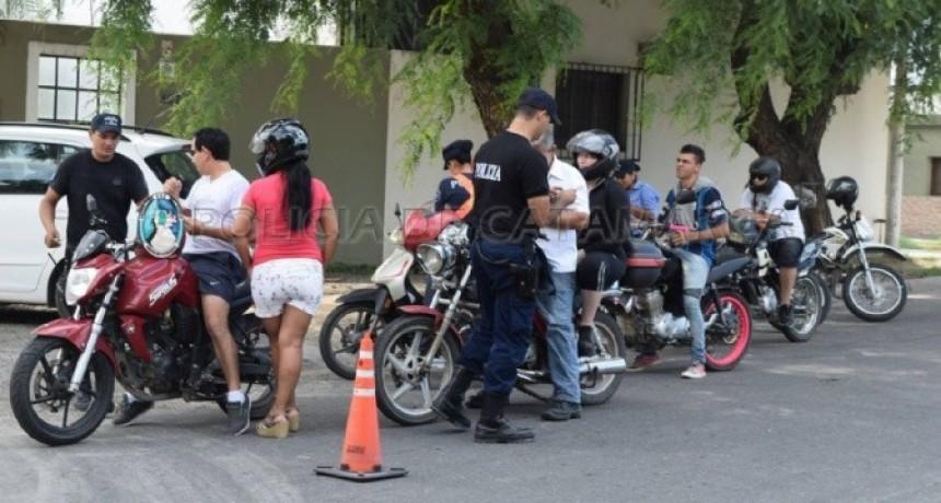 Secuestran motos en control vehicular