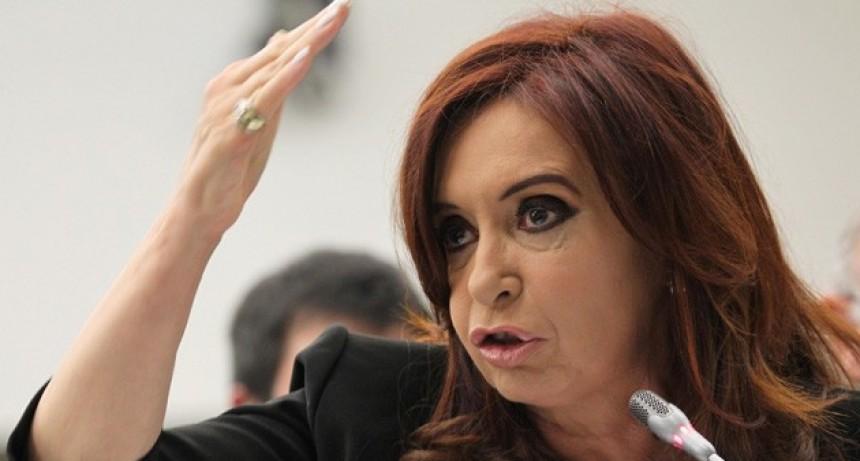 El Senado define si autoriza los allanamientos a CFK