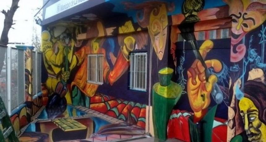 Con Murales de Artistas Plásticos embellecerán las fachadas de casas en Villa Cubas