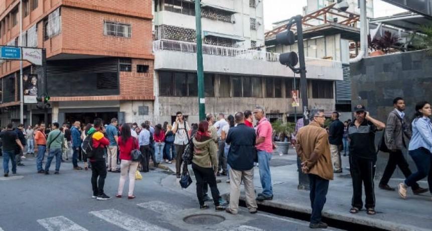 Terremoto de 7,3 grados sacudió Venezuela