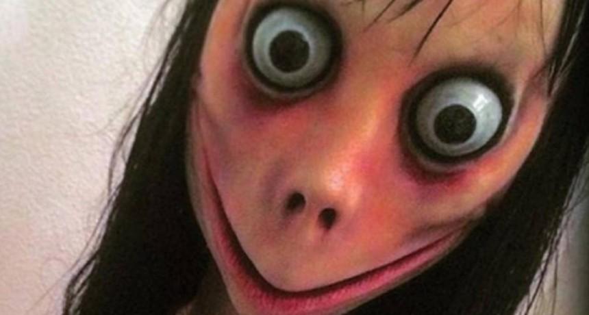 Parejita de adolescentes se suicidó por el Momo del WhatsApp