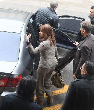 Cristina negó los cargos por cobro de coimas y pidió citar a Macri