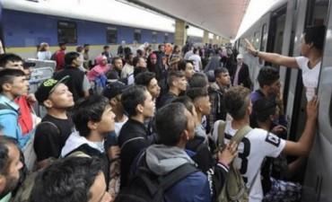 Austria y Alemania abren sus fronteras a miles de refugiados que llegan de Hungría