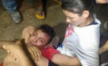 Quiso asaltar a una joven, pero ella era luchadora ladrón pidió por la policía