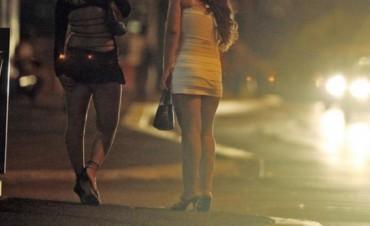 Trabajadoras sexuales se apuñalaron por la zona