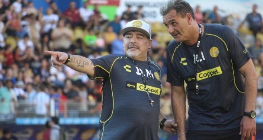 ¡Debuta Maradona!