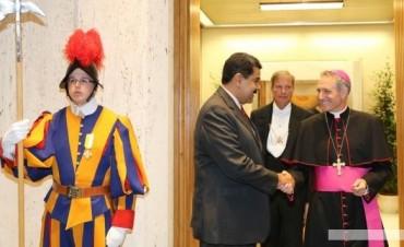 Con la mediación de Francisco, abren el diálogo en Venezuela