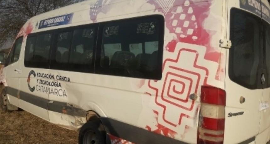 Educación pidió el secuestro de una combi que usa Guaraz