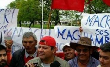 Manifestantes kirchneristas bloquearon el aeropuerto de Chaco para impedir la salida de Macri