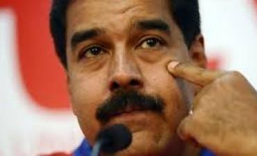 Denunciaron a Nicolás Maduro en La Haya por crímenes de lesa humanidad