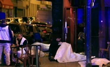 Horror en París: hay unos 160 muertos por múltiples ataques terroristas