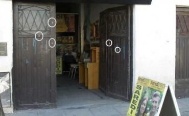 Denuncian que balearon locales de Cambiemos en La Matanza