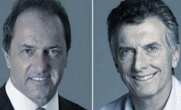 Un experto analizó los gestos de Daniel Scioli y Mauricio Macri