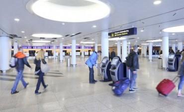 Dinamarca: evacúan un aeropuerto tras encontrar un objeto sospechoso