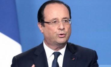Hollande felicitó a Macri