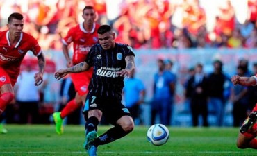 Racing golpeó a Independiente y puso un pie en la Libertadores