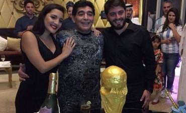 Despues del cumpleaños, Diego Maradona publicó un duro mensaje contra Dalma y Gianinna