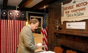 El diminuto pueblo de Dixville Notch dio los primeros resultados de la elección: ganó Hillary Clinton