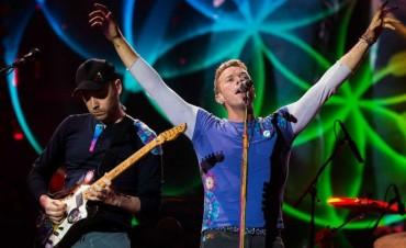 Coldplay y Jay Z se presentan en concierto contra la pobreza en la India