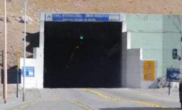 Cortan el tránsito de camiones en el paso Cristo Redentor debido al sismo que sacudió a San Juan