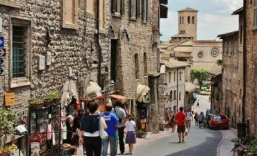 Italia ofrece vacaciones gratis a las parejas que quieran concebir hijos