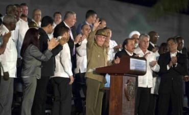 La Izquierda Latinoamericana Honra a Fidel Castro en Multitudinario Acto