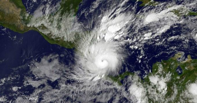 Huracán Otto causa 9 muertos en Costa Rica