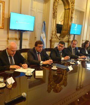 Histórico pacto fiscal entre la Nación y las provincias