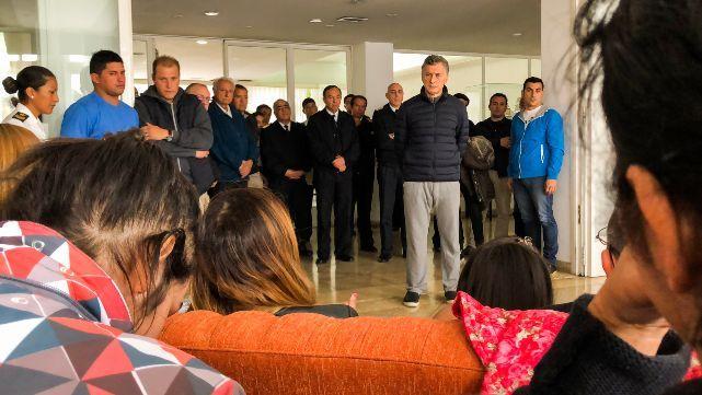 Macri visitó a los familiares de los tripulantes del