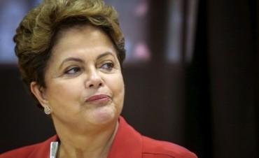 Brasil: jefe de la Cámara de Diputados aceptó pedido de juicio político contra Dilma Rousseff