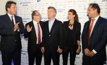Macri, Scioli y Massa juntos en un evento