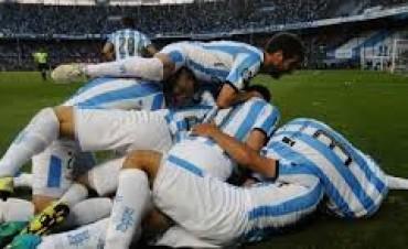 Racing perdió el clásico pero clasifica a la Libertadores