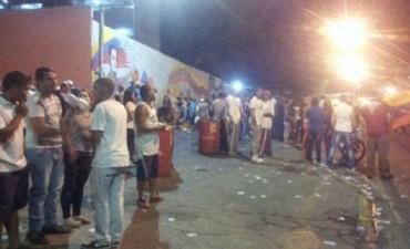 """VENEZUELA: Maduro llama a la """"ofensiva popular"""" hasta el cierre de urnas"""