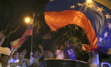 Venezuela la oposición se atribuye 112 diputados: CNE solo otorga 107