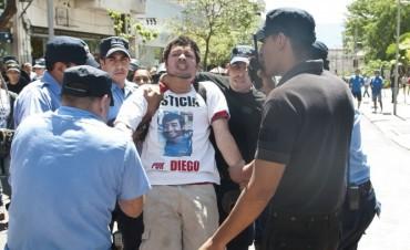 Alejandro Pachao denunció apremios durante la manifestación por su hijo