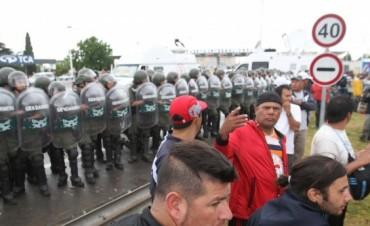 El Gobierno convocó a Cresta Roja, que denunció