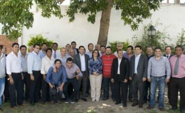 Lucía reunió a los 36 intendentes y los convocó a trabajar juntos y solidariamente