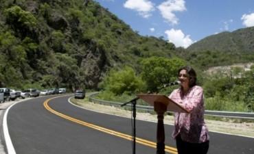 Lucia inauguró la repavimentación de la ruta que une La Puerta y El Rodeo