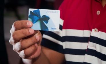 Se les otorgó una tarjeta magnética con $1000 a los empleados del Senado