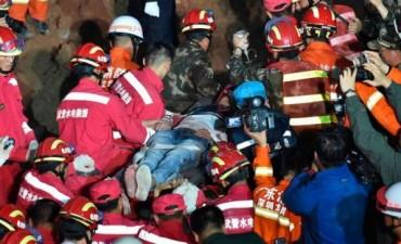 China:Milagro de Navidad, sobrevivió tras 67 horas bajo los escombros